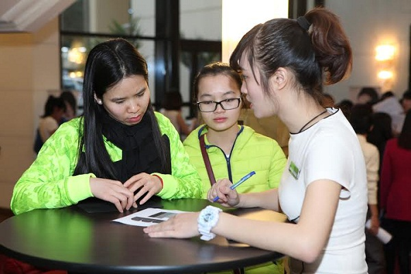 Dược sĩ tại Hà Nội chia sẻ trải nghiệm sử dụng Collagen ADIVA - adiva collagen ha noi 21