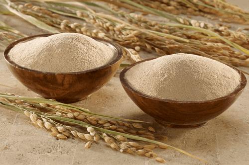 Tắm trắng bằng bột cám gạo và khoai tây