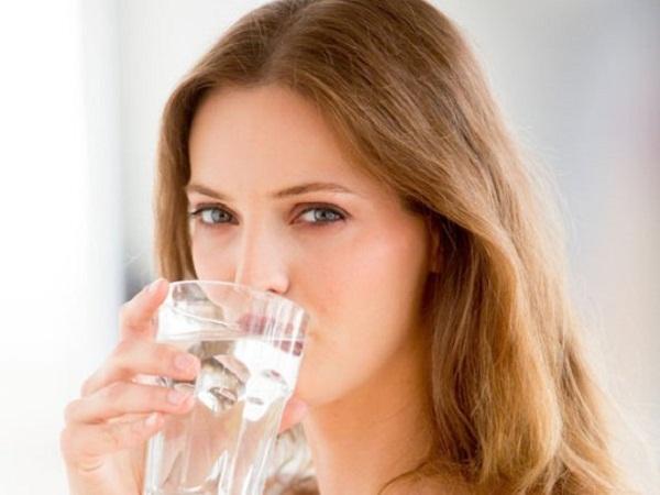 Liệu trình 7 bước chăm sóc phục hồi da sau mụn hiệu quả - li do nen uong nuoc
