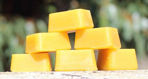 làm kem dưỡng da từ sáp ong