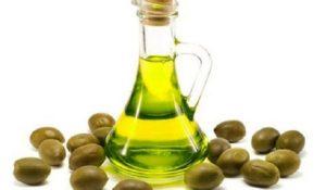 Bí quyết chữa nám da mặt tự nhiên bằng dầu ô liu - tri nam bang dau oliu 300x175