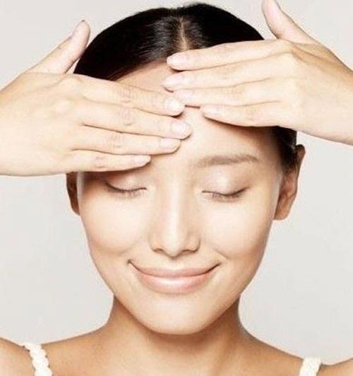 Cách massage nâng cơ mặt chảy xệ hiệu quả