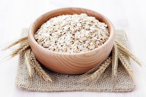 Lúa mạch, yến mạch là gì và có tác dụng làm đẹp như thế nào? - hình bột yến mạch