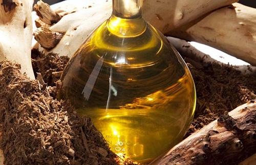 tác dụng làm đẹp của gỗ đàn hương