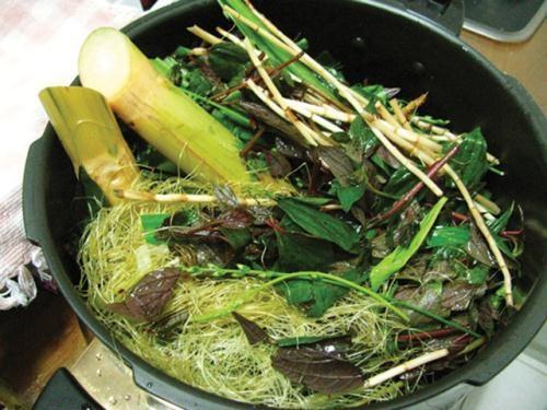 Các loài cây cỏ dùng để nấu nước sâm thanh lọc độc tố - hình nồi nuoc mat
