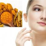 Trị nám da và chống lão hóa bằng 3 loại nguyên liệu tự nhiên - hình phụ nữ nghệ 150x150