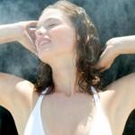 Cách làm da toàn thân trắng hồng mịn màng nhờ tắm xông hơi - hình phụ nữ xông hơi trắng da 150x150