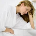 phụ nữ đau dạ dày