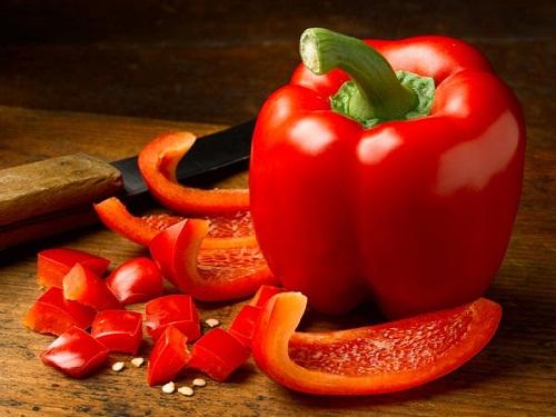 10 thực phẩm chống lão hóa dành cho các bạn ngoài 40 - ớt chuông đỏ