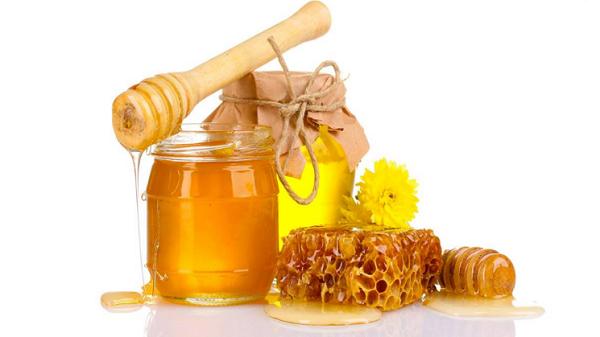 m%E1%BA%ADt ong Mặt nạ chống lão hóa từ thiên nhiên bằng hoa hồng và đất sét giúp bạn trẻ lại tuổi 18