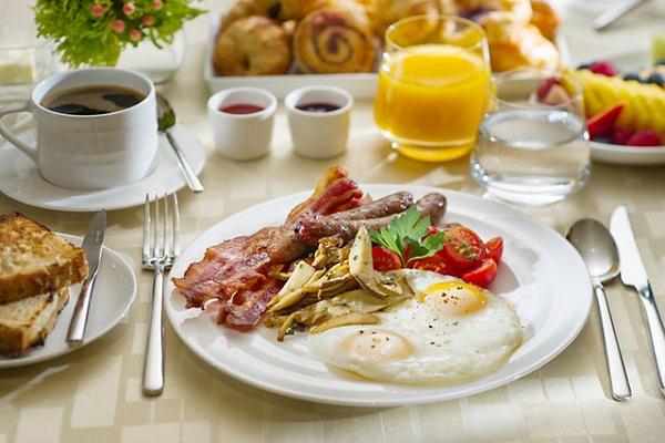 bữa sáng đủ dinh dưỡng