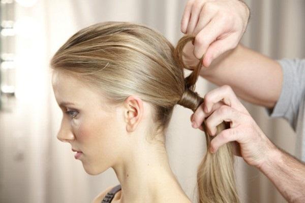 buộc tóc gọn gàng