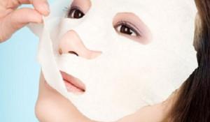 Cách làm đẹp da mặt 2 trong 1 đơn giản mỗi ngày - đắp mặt nạ 300x175