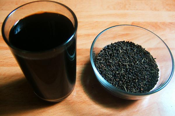 N%E1%BB%A5 v%E1%BB%91i v%C3%A0 n%C6%B0%E1%BB%9Bc v%E1%BB%91i Trong mùa khô thì nên dùng loại thức uống nào làm đẹp da?
