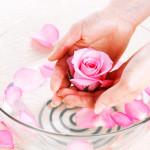 Hướng dẫn cách chọn và cách dùng nước hoa hồng chăm sóc da hiệu quả - nuoc hoa hong sakura11 150x150