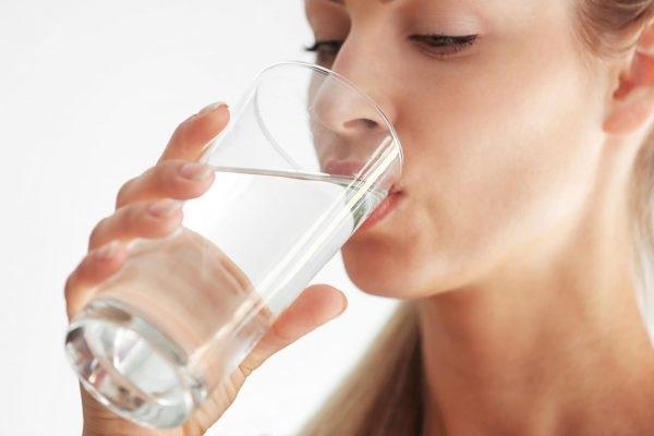 Uống nước gì hàng ngày đẹp da chống lão hóa?