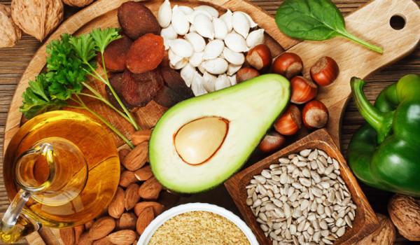 Vitamin nào tốt cho da của bạn? - vitamin e foods benefits 600x350