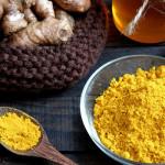 photodune-16381790-turmeric-powder-honey-healthy-food-s-Copy