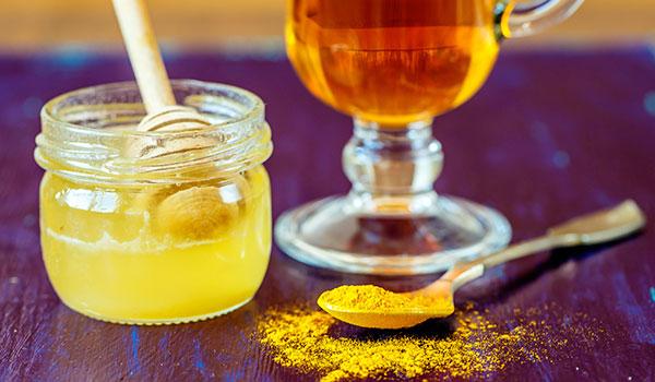 Công dụng của tinh bột nghệ và mật ong bạn nên biết - tri dau bao tu bang tinh bot nghe vang va mat ong3