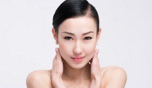 Những cách bổ sung Collagen cho da tốt nhất - dap mat na collagen 300x175