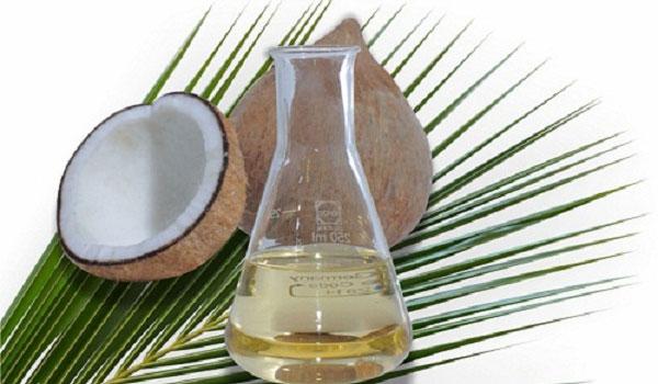 trị mụn bằng dầu dừa