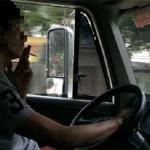 Tài xế: Một nghề dễ bị đau dạ dày! - tai xe hut thuoc 150x150
