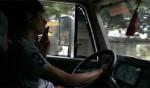 Tài xế: Một nghề dễ bị đau dạ dày! - tai xe hut thuoc 150x88