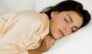 Cách giúp ngủ ngon và sâu giấc hiệu quả nhất cho phụ nữ trung niên - phu nu 40 ngu ngon 300x175