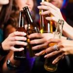 Bệnh đau dạ dày có di truyền không? - làm dụng rượu bia 150x150