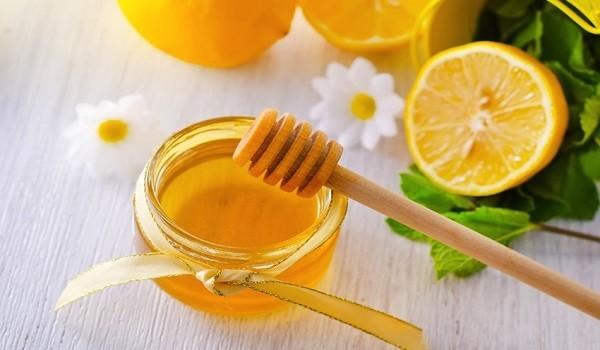 Mặt nạ mật ong chanh có công dụng gì? - mat na mat ong chanh 2 600x350