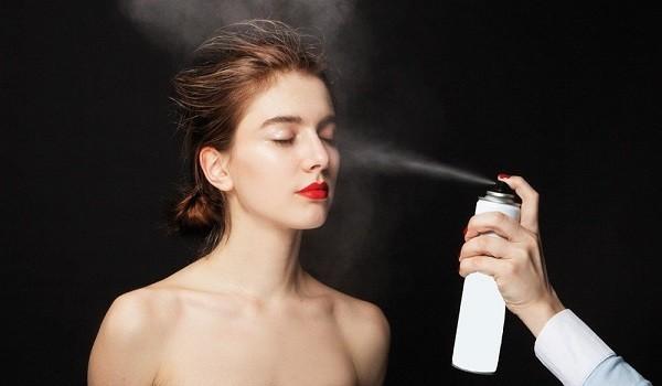 Xịt khoáng có tác dụng gì trong việc chăm sóc da? - xit khoang co tac dung gi 2 600x350