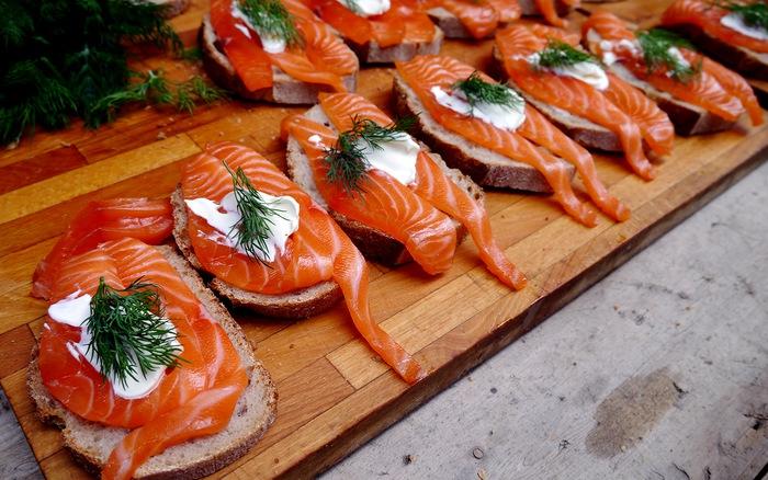 Các loại thực phẩm ảnh hưởng đến làn da của bạn như thế nào? - cá hồi