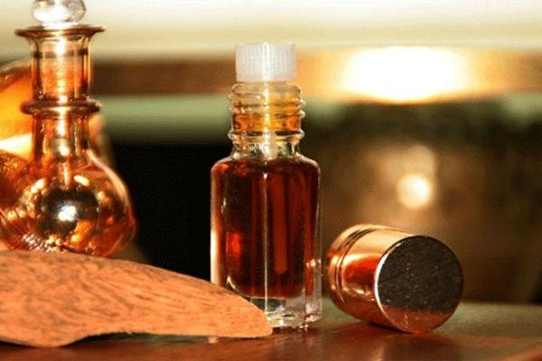 trầm hương tinh dầu làm đẹp da tại nhà