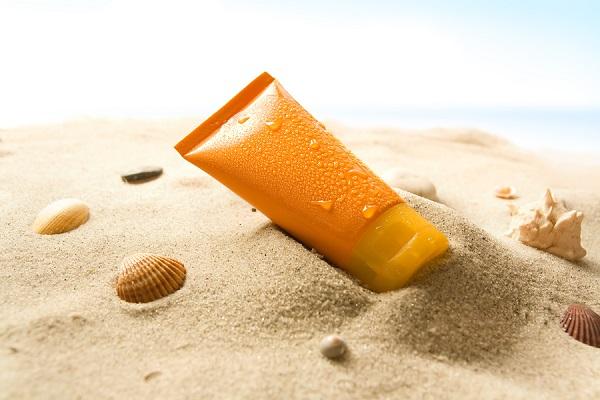 cách bảo vệ da khi bạn không thể dùng kem chống nắng