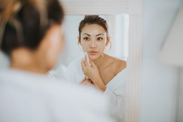 Cách chữa chứng mất ngủ ở phụ nữ trung niên tiền mãn kinh - benh mat ngu o phu nu tien man kinh 1