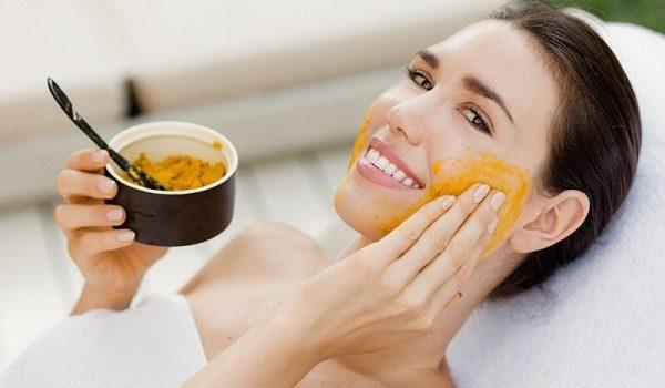 Cách làm mặt nạ nghệ trắng da cho bạn làn da đẹp không tì vết