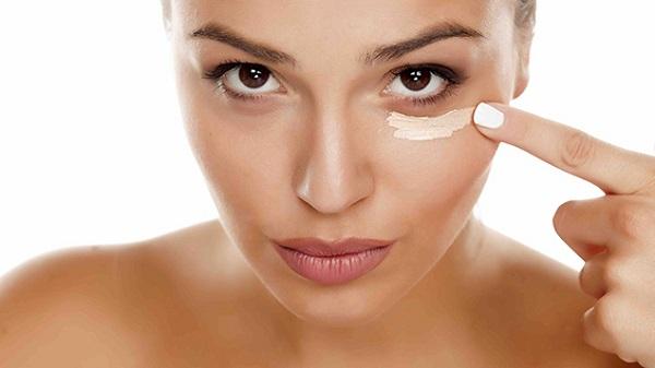 Bước 8: Kem mắt (Eyes Cream)