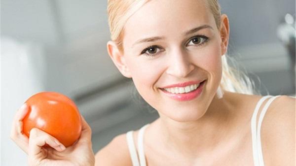 Cách trị mụn bọc ở mũi bằng cà chua: