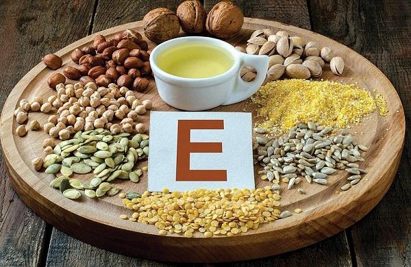 Ngày nào cũng bôi vitamin E được không? - thuc pham chua vitamin e