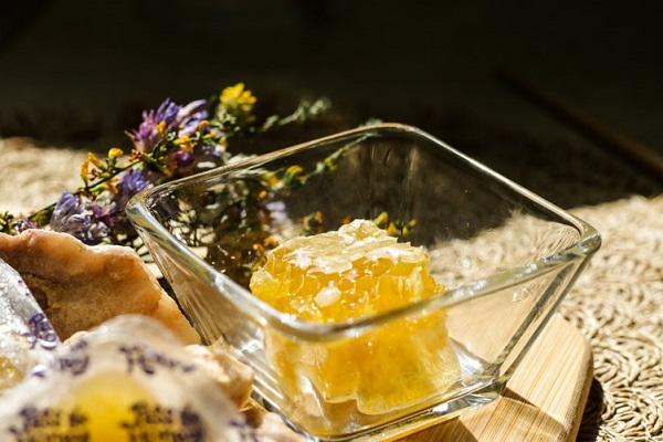 Mật ong là nguyên liệu để cực lâu mà không lo hư hỏng