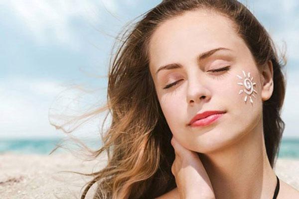 Cách chăm sóc da: 15 lời khuyên cho mọi loại da trong mùa hè - phu nu va mua he