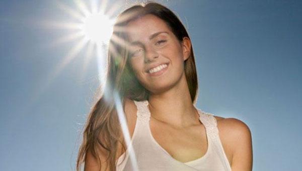 15 lợi ích tuyệt vời của ánh nắng mặt trời đối với da, tóc và sức khỏe - phu nu va anh nang mat troi