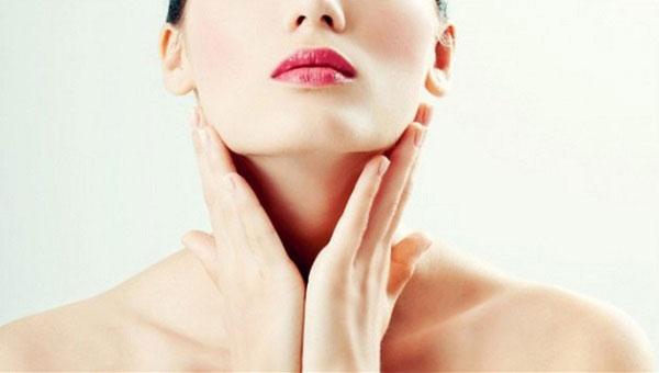 Hướng dẫn cách làm căng da cổ của bạn một cách tự nhiên - duong am da co